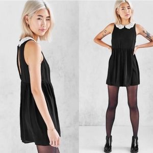 UO Cooperative Lace Peter Pan Collar Romper XS